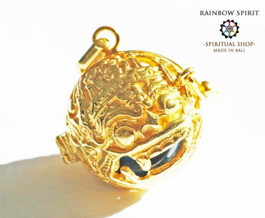 [K24RGP]バリ島の神様「バロン」の中身が取り出せる純金コーティングペンダント(ターコイズ)