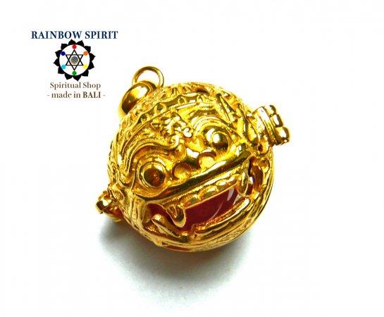 [K24RGP]バリ島の神様「バロン」の中身が取り出せる純金コーティングペンダント(カーネリアン)