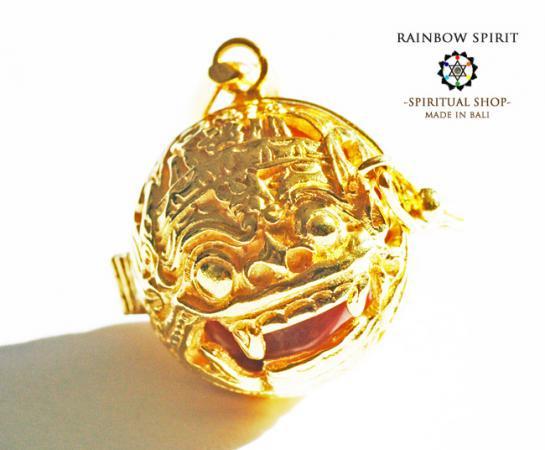[K24RGP]バリ島の神様「バロン」の中身が取り出せる純金コーティングペンダント(ロードナイト)
