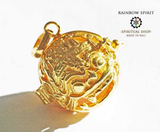 [K24RGP]バリ島の神様「バロン」の中身が取り出せる純金コーティングペンダント(ローズクォーツ)
