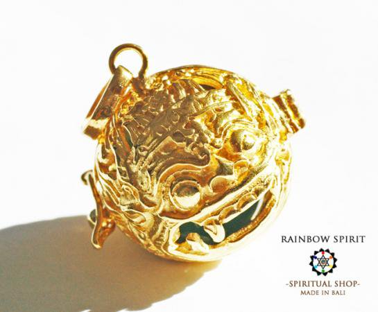 [K24RGP]バリ島の神様「バロン」の中身が取り出せる純金コーティングペンダント(ジェイド/翡翠)