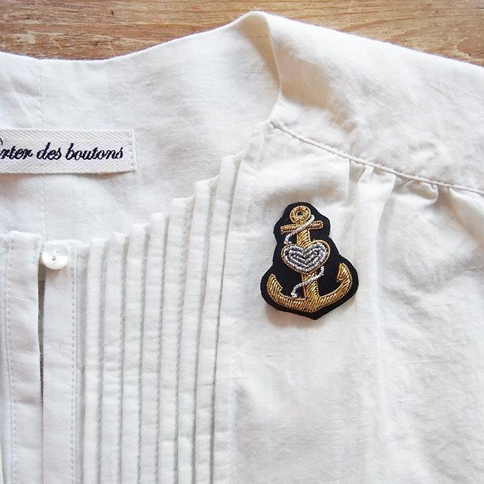 Fil D'araignee 刺繍ピンバッジ 10