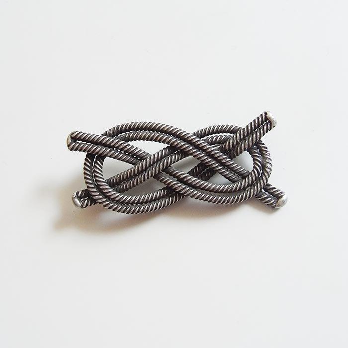 ロープブローチ 1