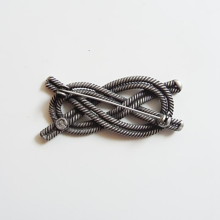ロープブローチ 2