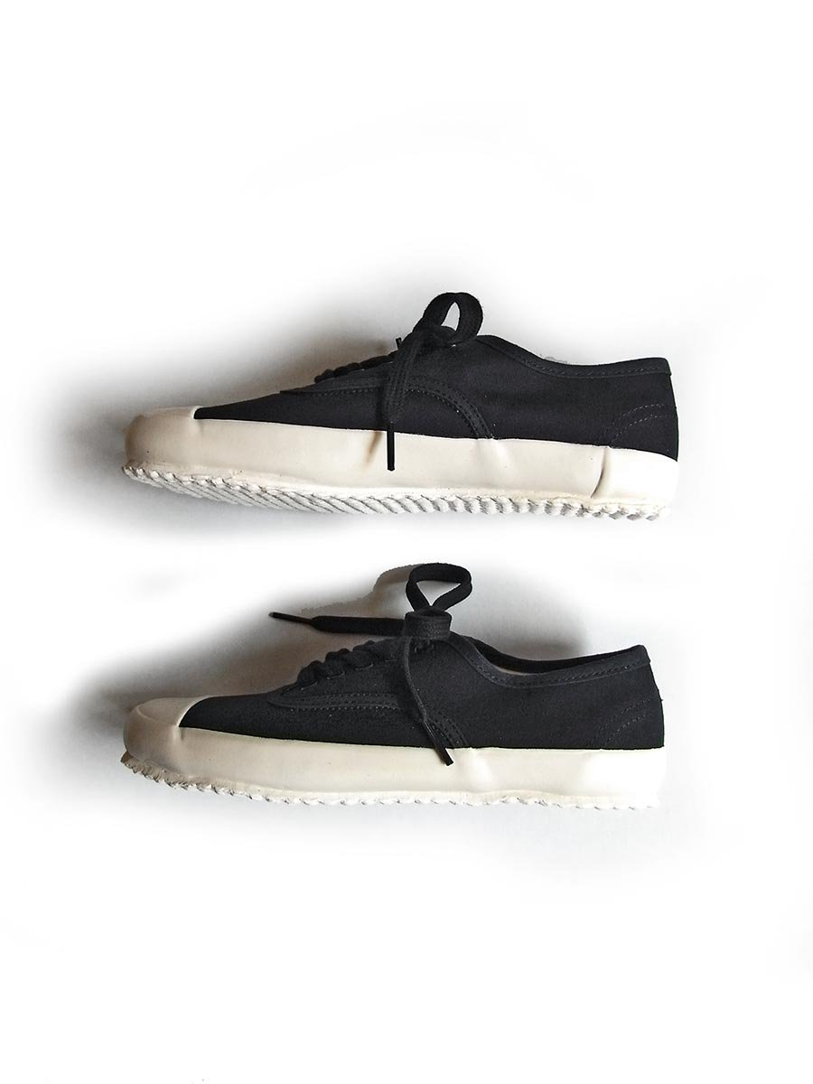 <img class='new_mark_img1' src='https://img.shop-pro.jp/img/new/icons16.gif' style='border:none;display:inline;margin:0px;padding:0px;width:auto;' />MILITARY OXFORD SNEAKER 6
