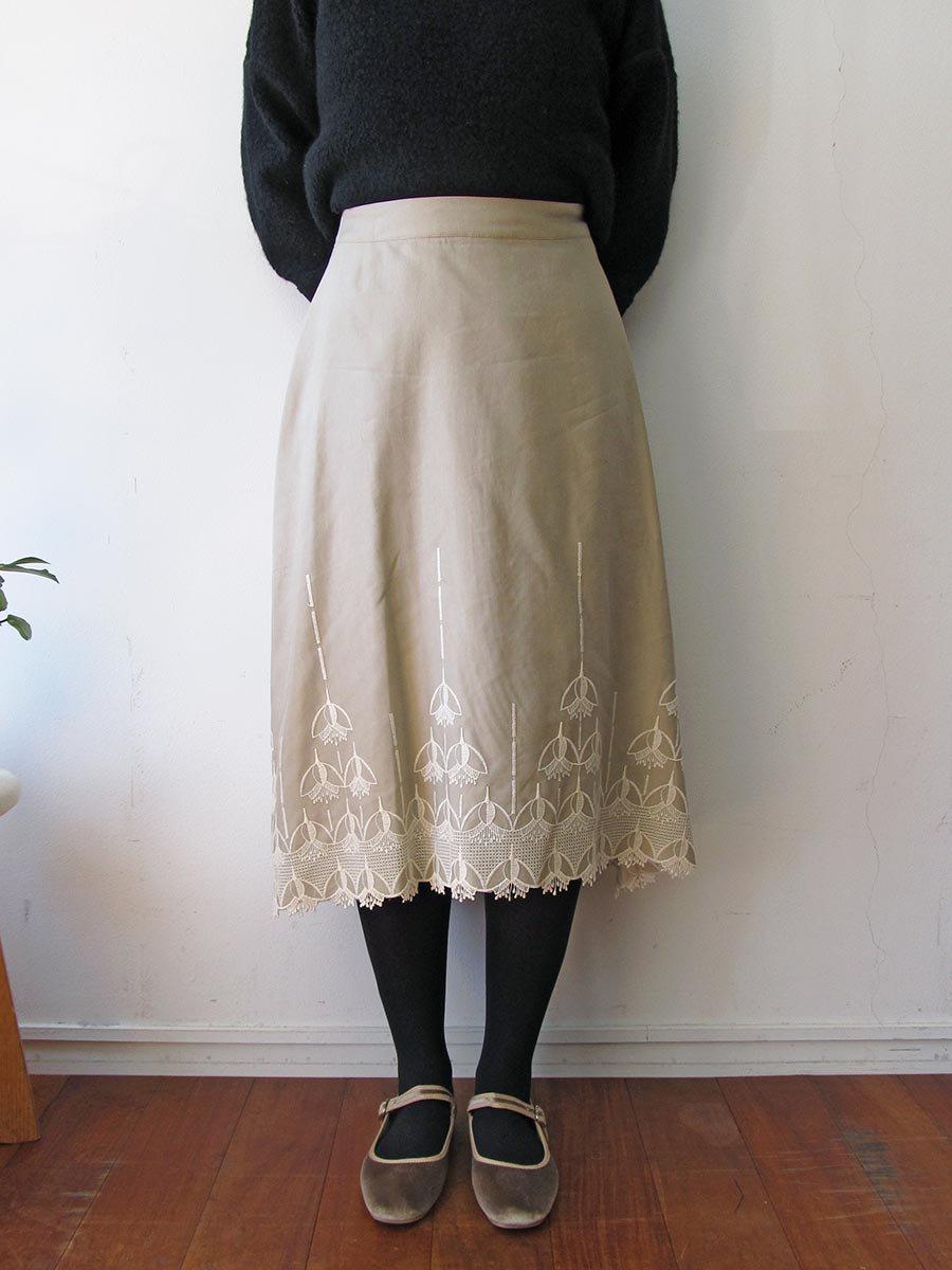エンブロイダリースカート(2020-21 Autumn Collection) 6