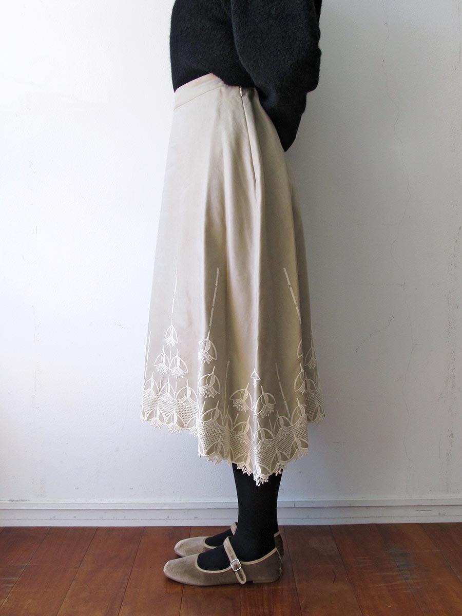 エンブロイダリースカート(2020-21 Autumn Collection) 8