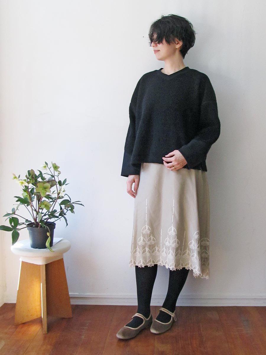 エンブロイダリースカート(2020-21 Autumn Collection) 9