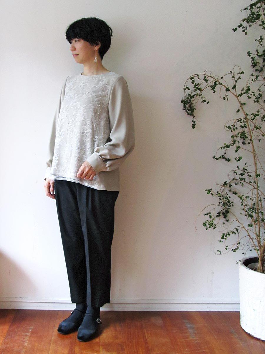 フロントレースブラウス(2020-21 Winter & 2021 Pre-Spring Collection) 10