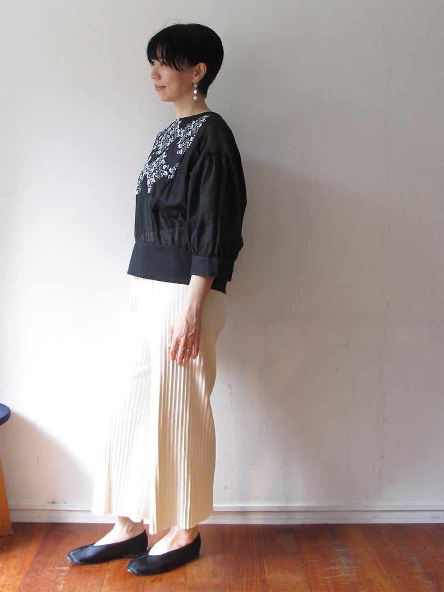 プチフルール刺繍ブラウス(2021 Spring Collection) 12