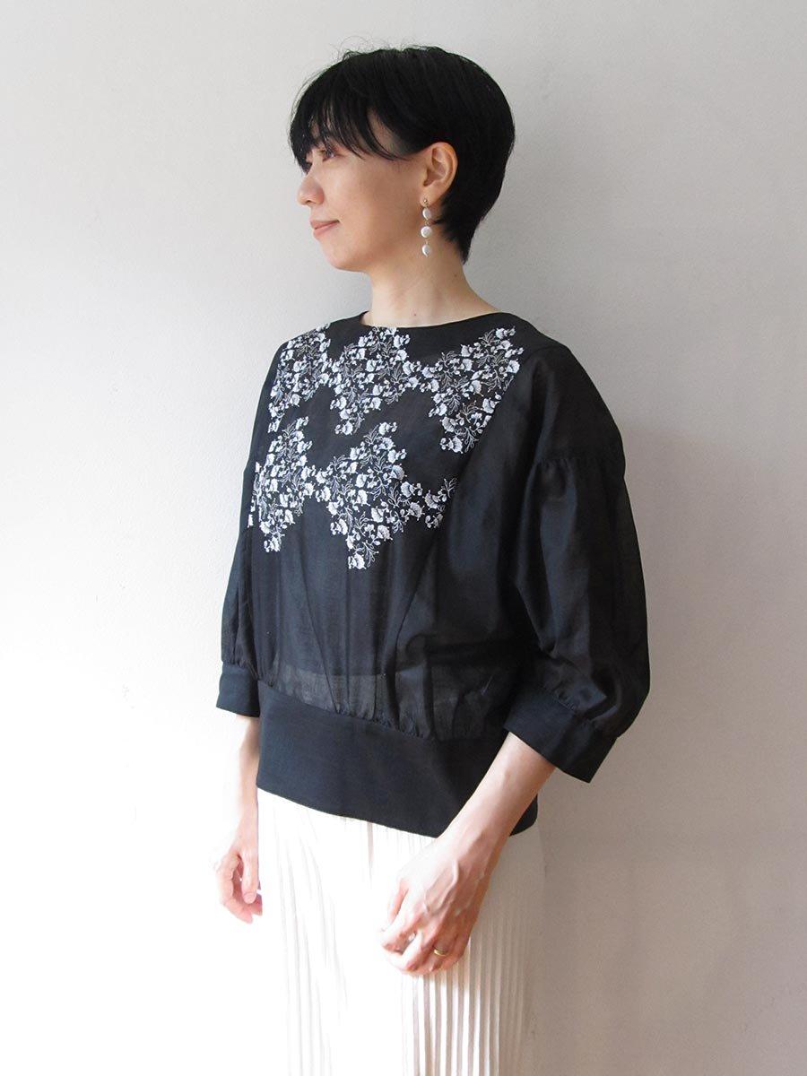 プチフルール刺繍ブラウス(2021 Spring Collection) 10