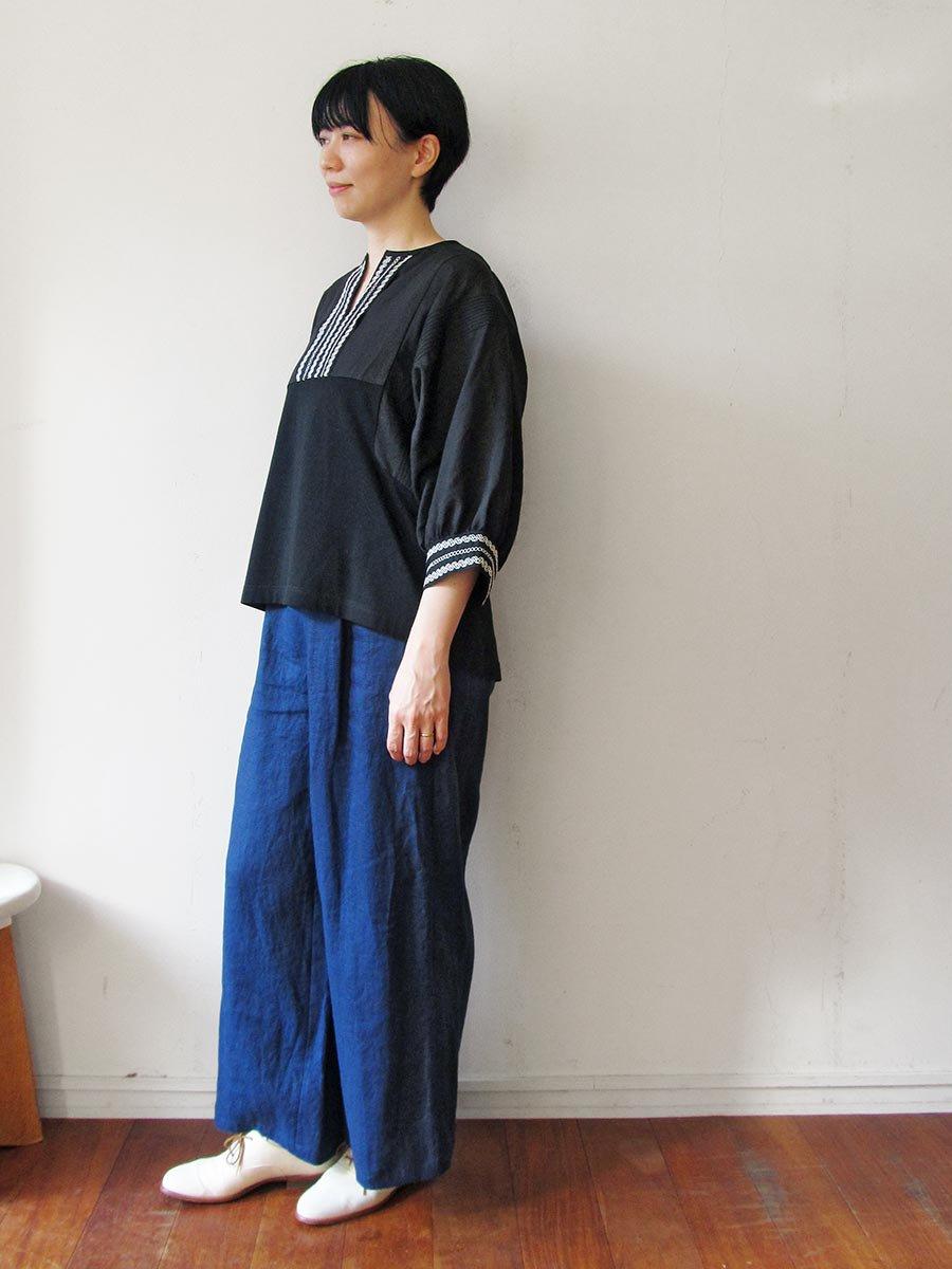 ピンタック×刺繍プルオーバー(2021 Summer Collection) 15