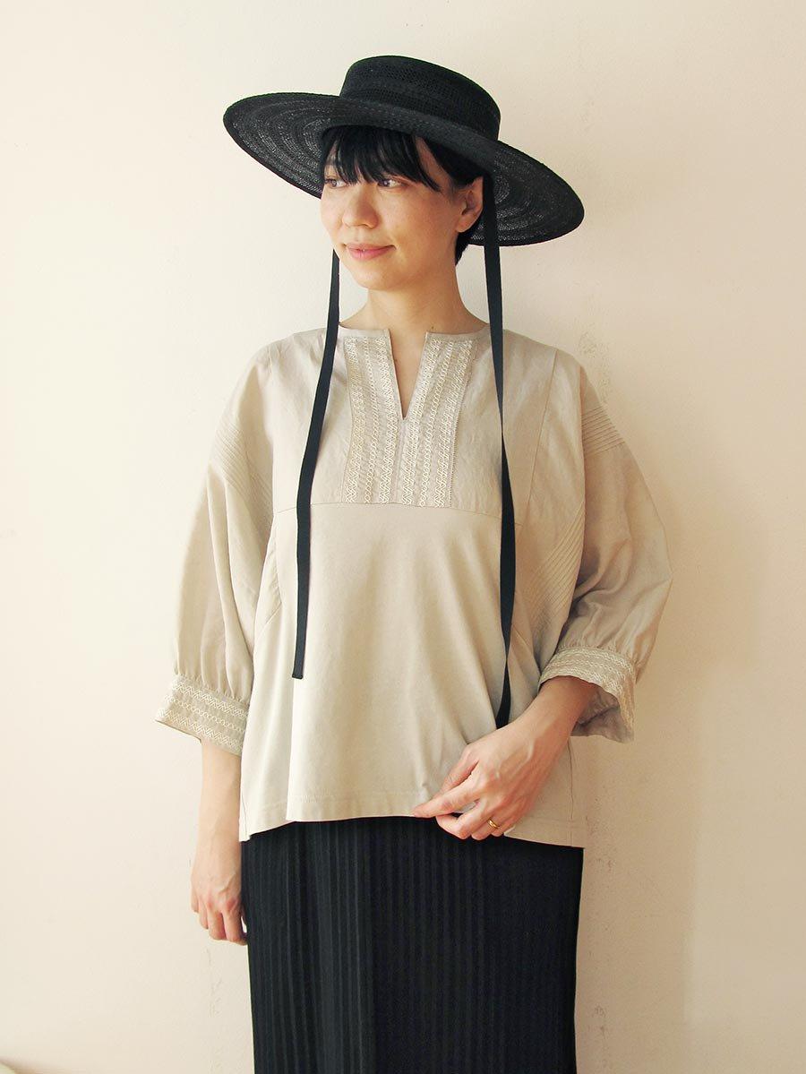 ピンタック×刺繍プルオーバー(2021 Summer Collection) 18