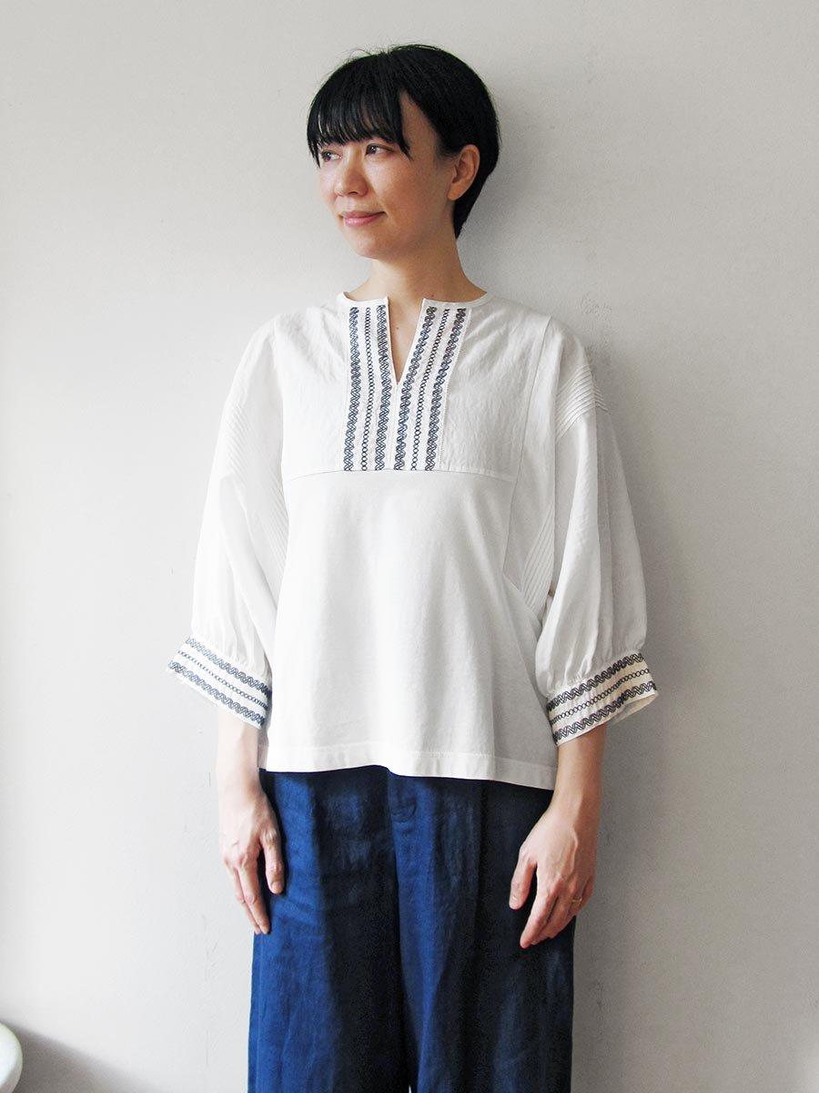 ピンタック×刺繍プルオーバー(2021 Summer Collection) 6