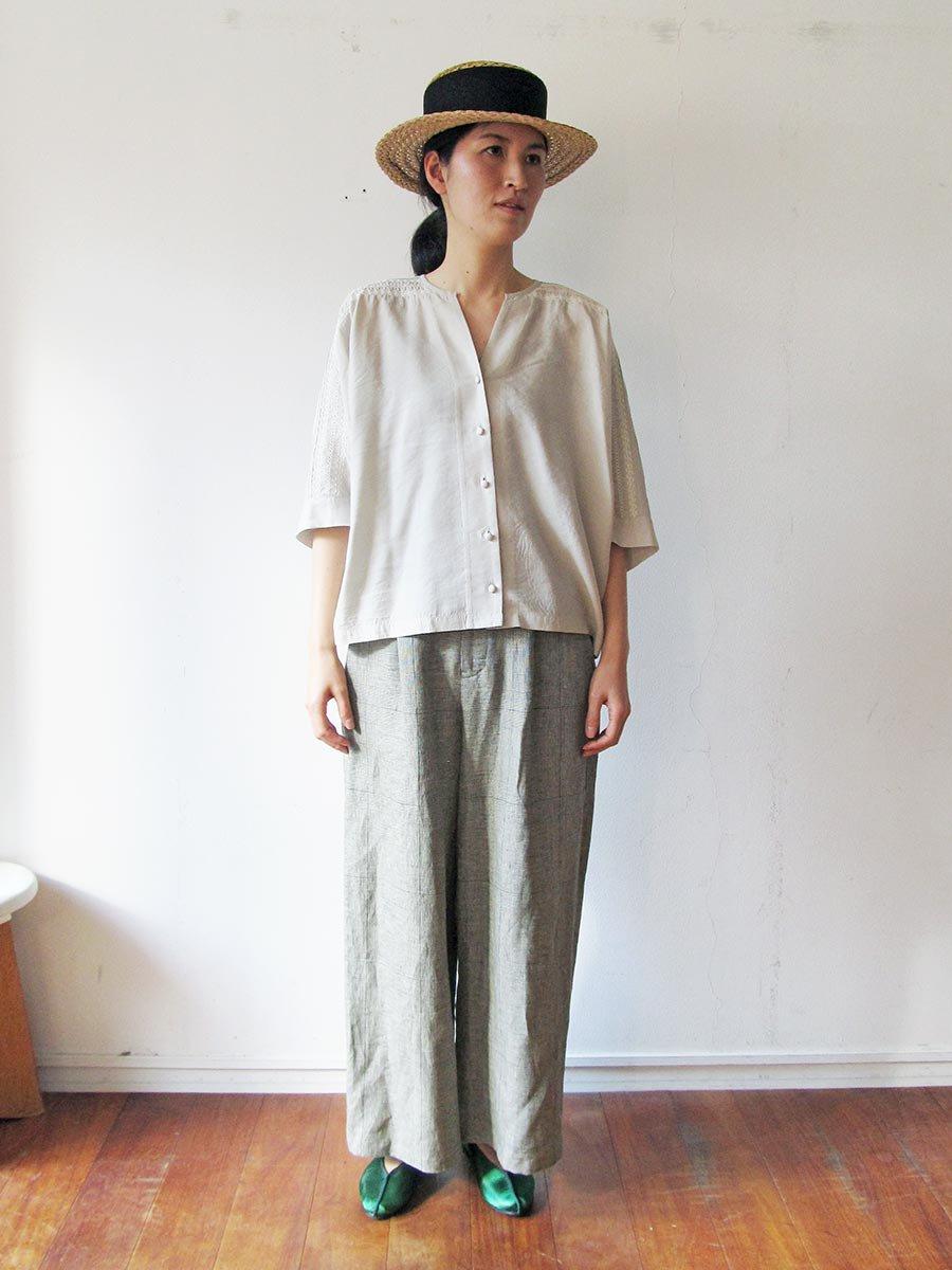ピンタック×刺繍ブラウス(2021 Summer Collection) 20
