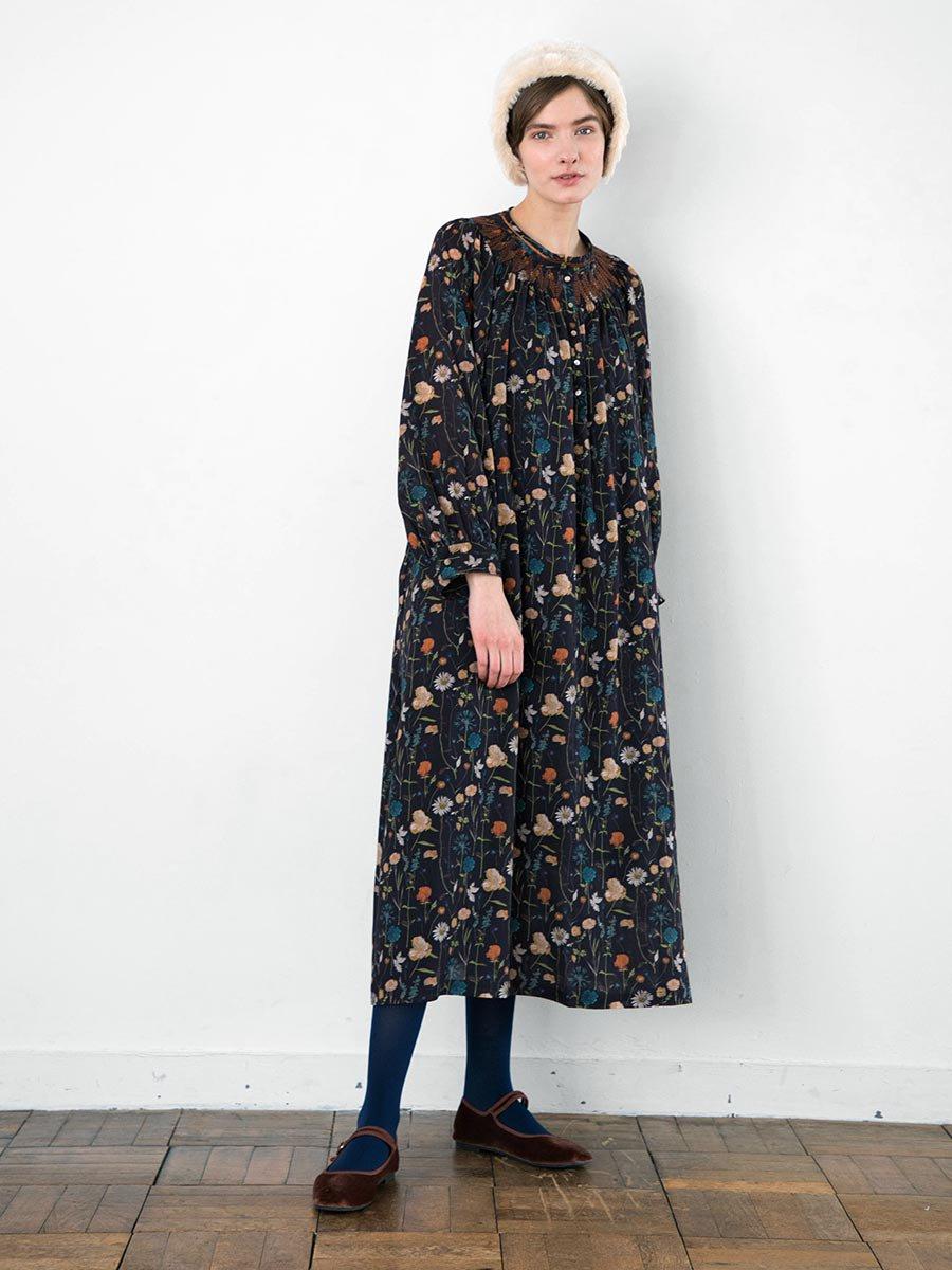 LIBERTY PRINTスモッキング刺繍ドレス(2021-22 Autumn Winter Collection) 2