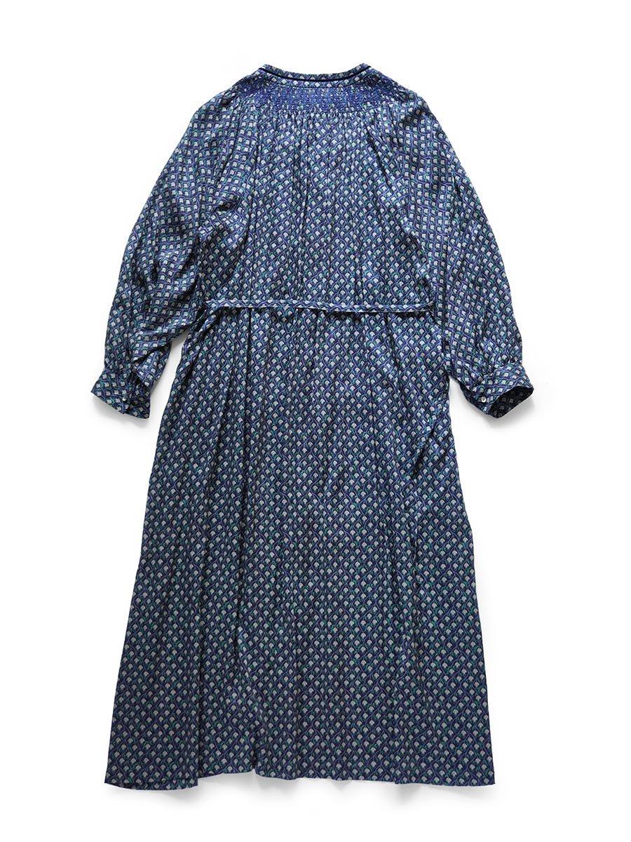 LIBERTY PRINTスモッキング刺繍ドレス(2021-22 Autumn Winter Collection) 12