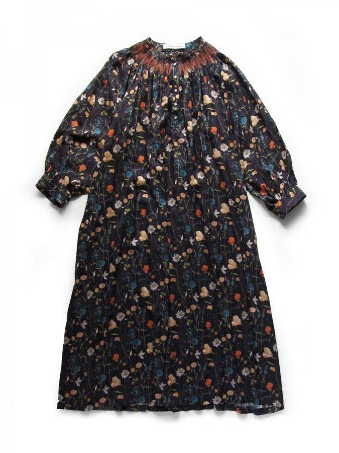 LIBERTY PRINTスモッキング刺繍ドレス(2021-22 Autumn Winter Collection) 3