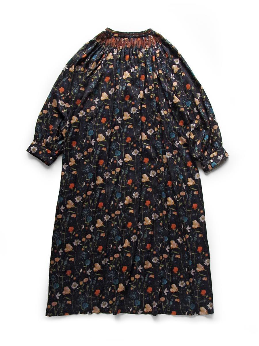 LIBERTY PRINTスモッキング刺繍ドレス(2021-22 Autumn Winter Collection) 4