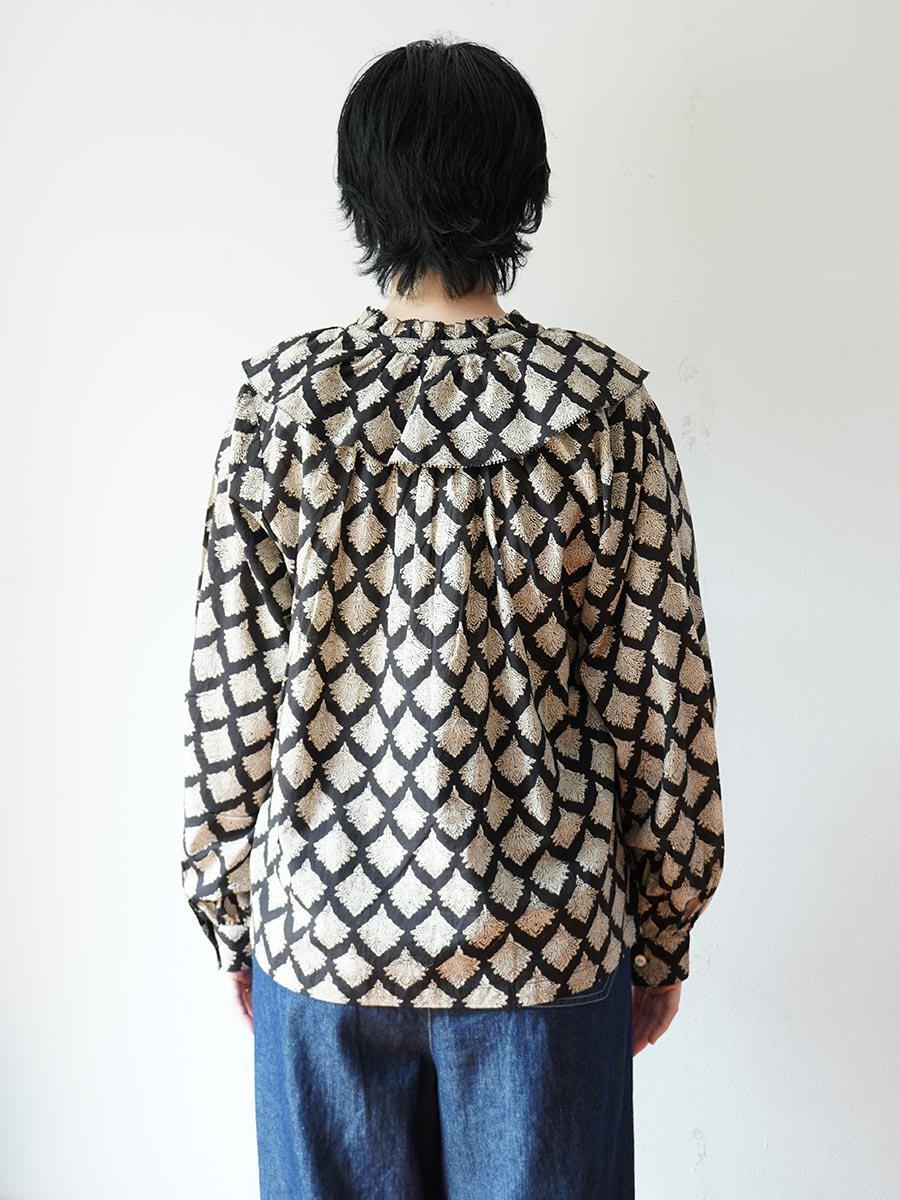 ブロックプリントワイドカラーブラウス(2021-22 Autumn Winter Collection) 10