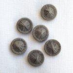 チェコの糸ボタン 砂色
