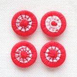 チェコの糸ボタン 14mm  赤/オフホワイト