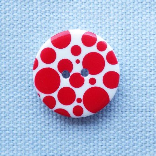 ボタン 赤い水玉