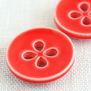 ボタン 四つ葉赤18mm