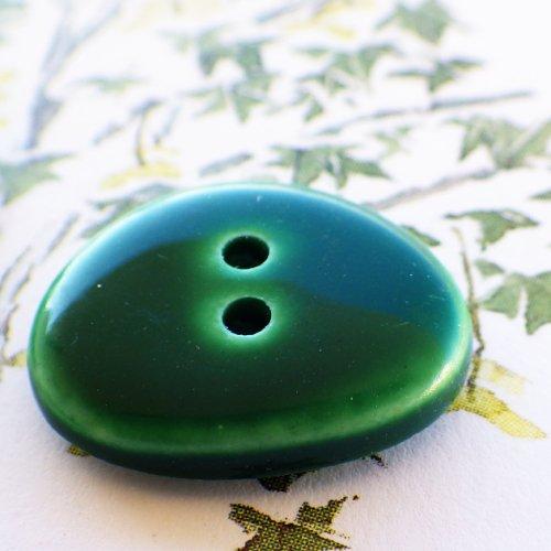 ボタン グリーンの小石 フランス製
