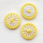 チェコの糸ボタン16mm黄色/グレー