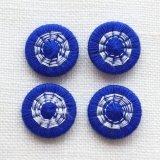 チェコの糸ボタン14mm 青/オフホワイト
