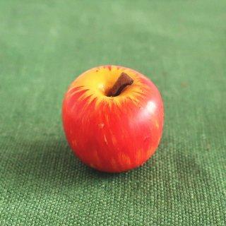 りんごのボタン ドイツ製