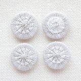 チェコの糸ボタン 14mm  グレーベージュ/オフホワイト