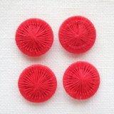 チェコの糸ボタン14mm 赤