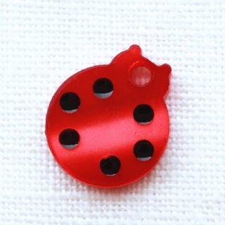 ボタン てんとう虫