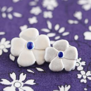 ボタン シルバーのお花