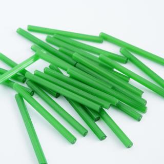 【50本】 チューブビーズ 30mm サテングリーン チェコ製