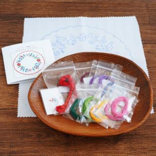 ハンガリー刺繍キット カロチャのラウンドドイリー
