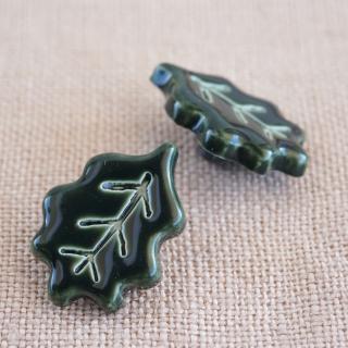 葉っぱのボタン 18mm 深緑 フランス製