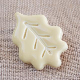 葉っぱのボタン 25mm クリーム フランス製