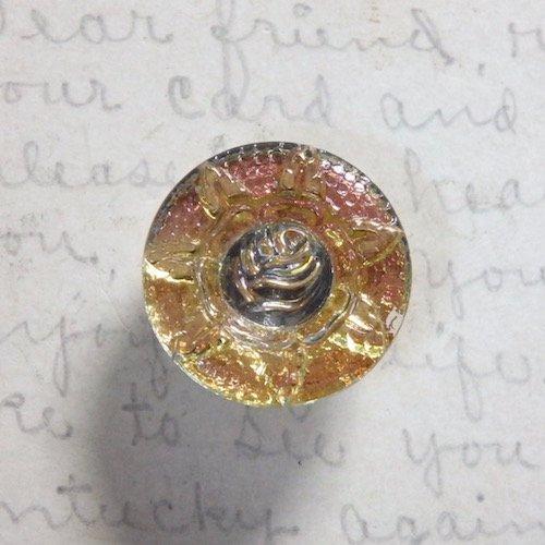 ガラスボタン・フラワーモチーフ・メタリック・約19mm