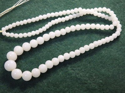 Japan vintage milk glass strands 約39cm