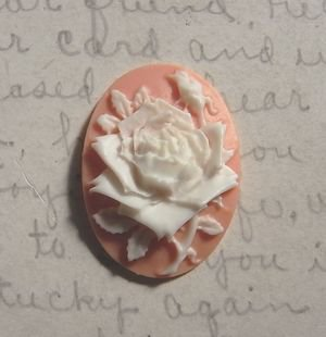 Acrylic pink rose cameo 25x18mm