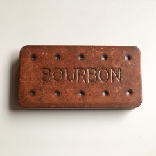 <img class='new_mark_img1' src='https://img.shop-pro.jp/img/new/icons20.gif' style='border:none;display:inline;margin:0px;padding:0px;width:auto;' />BOURBON COOKIE TIN
