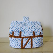Cottage House Tea Cozy - blue