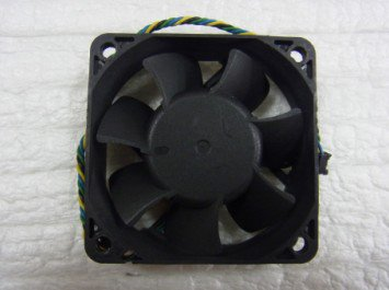 FOXCONN  PVA060F12H  6020 12V 0.20A CPUファン 中古