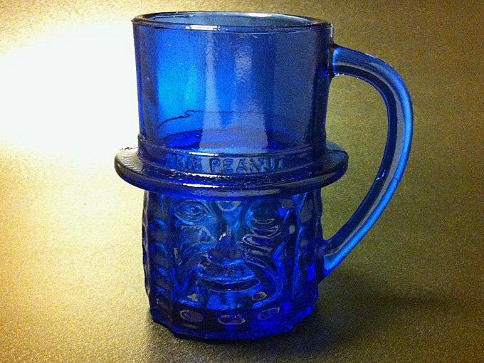 ★80'sプランターズ ミスター・ピーナッツ コバルトブルー色ガラス製マグカップ