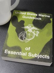 <img class='new_mark_img1' src='https://img.shop-pro.jp/img/new/icons30.gif' style='border:none;display:inline;margin:0px;padding:0px;width:auto;' />★アメリカ海兵隊USMCマニュアルガイドブック1983年復刻版
