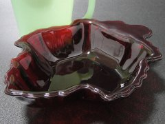 ★50'sアンカーホッキング製ファイヤーキング ロイヤルルビーレッド・メープルリーフ キャンディ皿