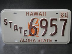 <img class='new_mark_img1' src='https://img.shop-pro.jp/img/new/icons12.gif' style='border:none;display:inline;margin:0px;padding:0px;width:auto;' />★80'sハワイ州アロハステート・ライセンスナンバープレート1981年STATE6957